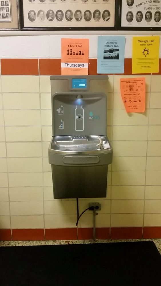 LHS+Students+Quench+Thirst+at+New+Fountains