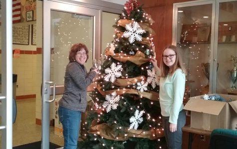 O! Christmas Tree: Sisters Bring Joy to the Main Lobby
