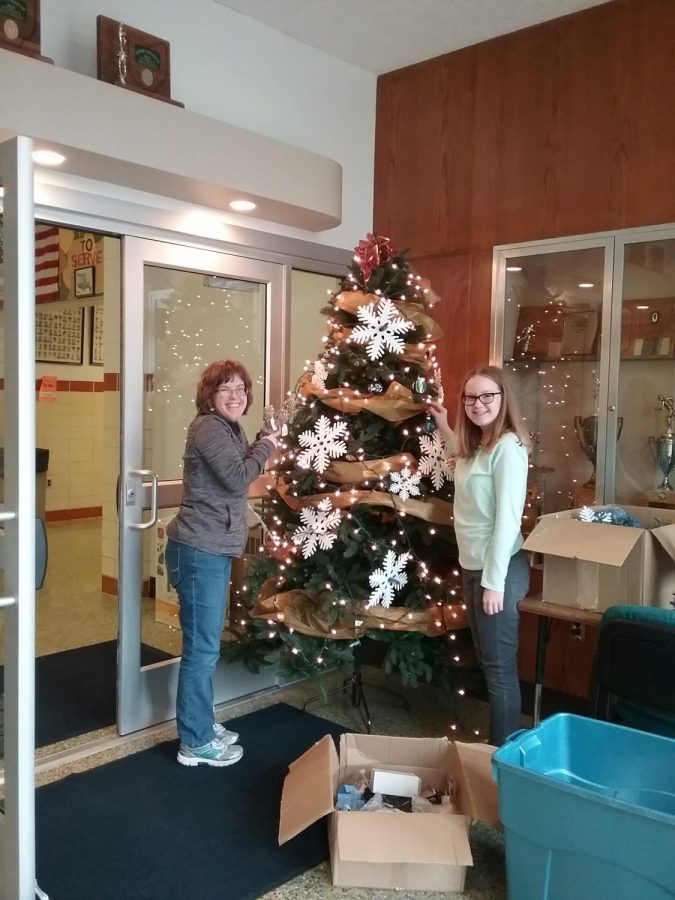 O! Christmas Tree: Sisters Bring Joy to the Main Lobby