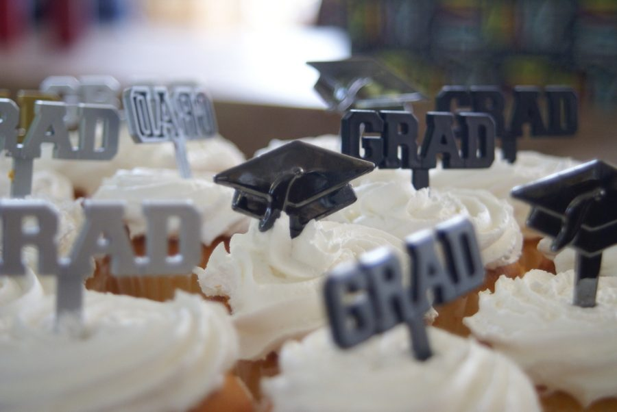 Grad Party Trends Remain Traditional for 2019 Seniors