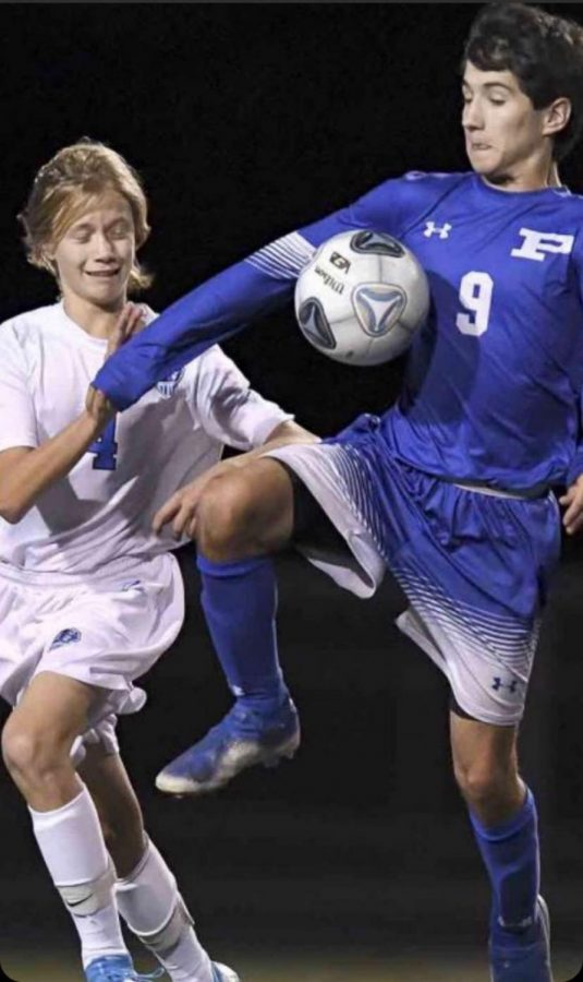Boys Soccer Battles Their Way to District Finals