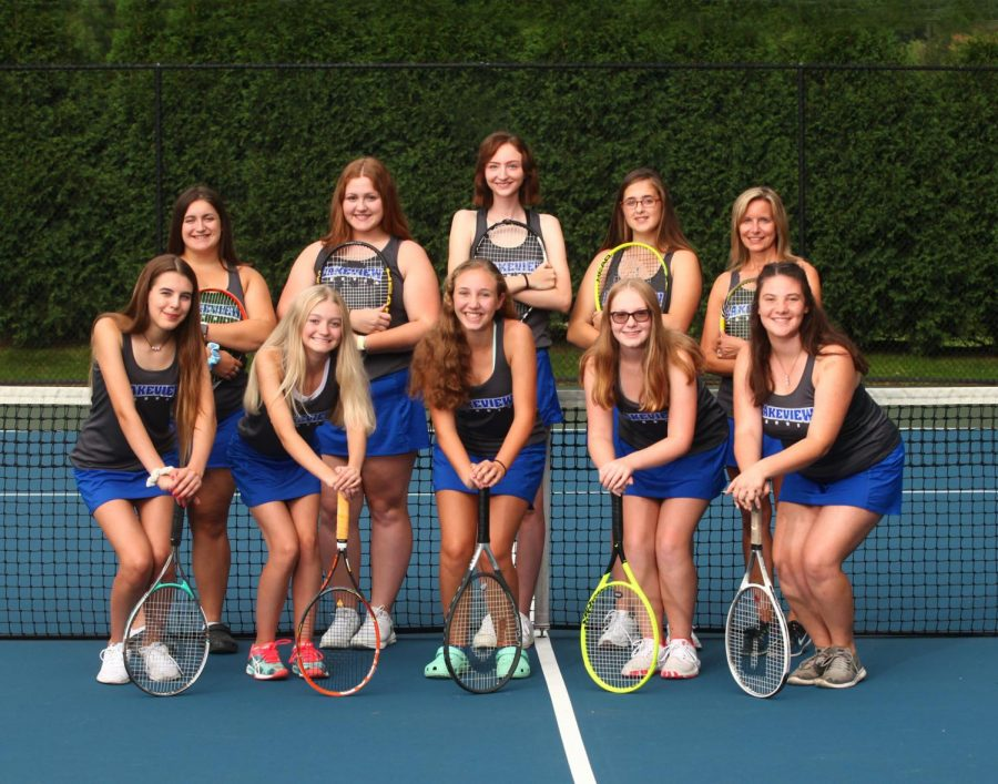 Girls+Tennis+In+Search+of+Players