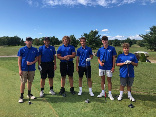 Golf Team Sinks Its Final Putt