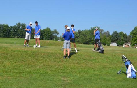 Boys Golf Rounds Up Their Season!